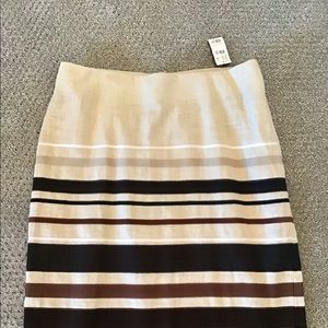 The Limited skirt size 8